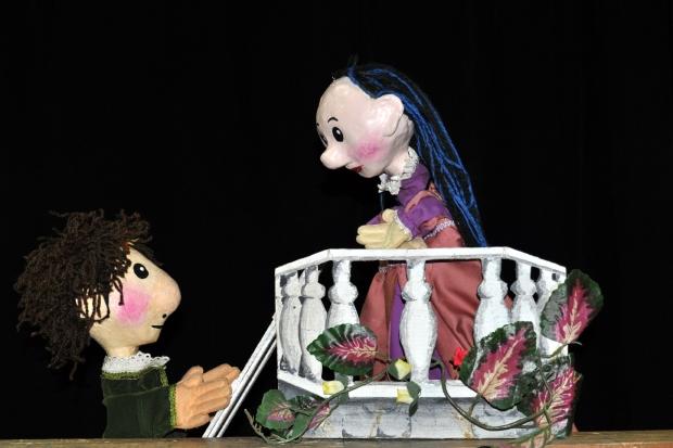 Romeo y Julieta, por el grupo El Chonchón- francisco puñal suarez 2
